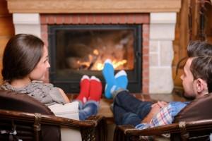 couple-fireplace-warm